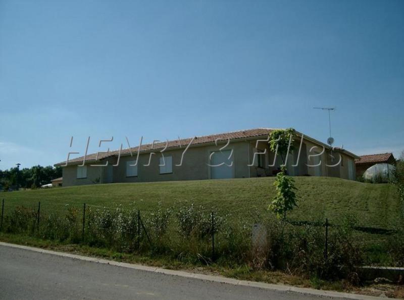 Sale house / villa Saramon 237000€ - Picture 2