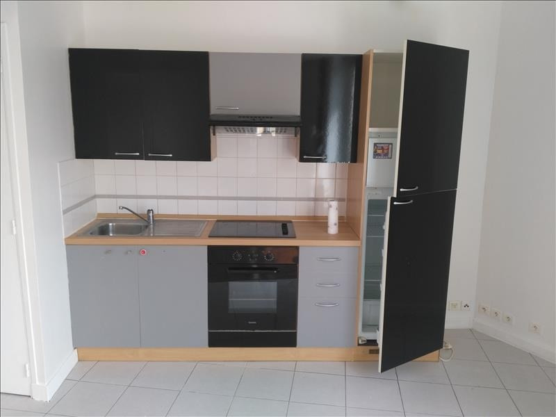 Location appartement Pontoise 840€ CC - Photo 3