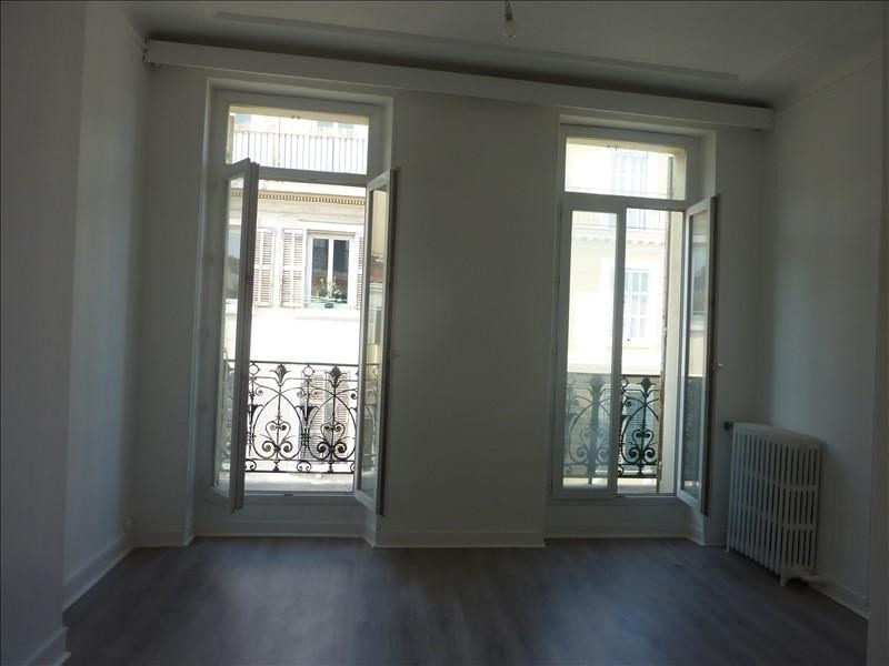 Rental apartment Marseille 6ème 920€ CC - Picture 5