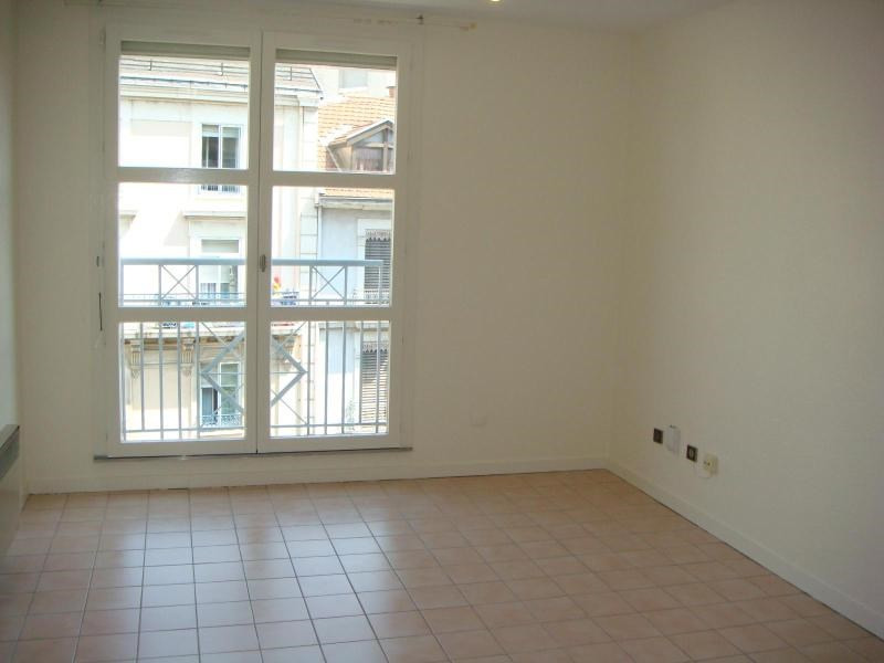 Location appartement Grenoble 350€ CC - Photo 3