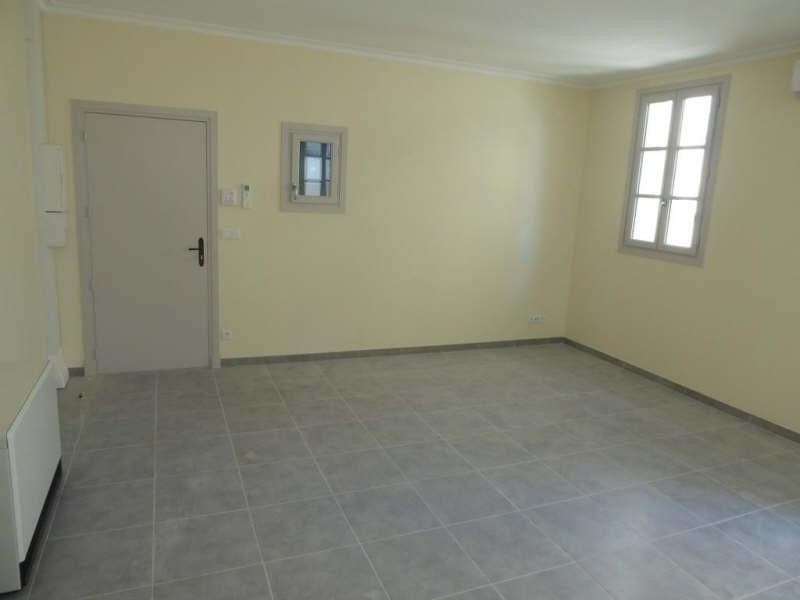 Rental apartment Nimes 510€ CC - Picture 1