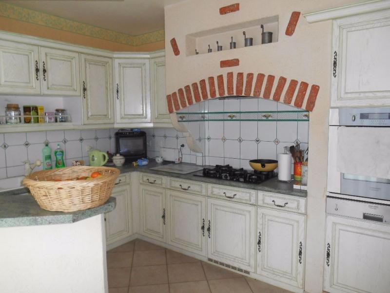 Sale house / villa Crevecoeur le grand 272000€ - Picture 2