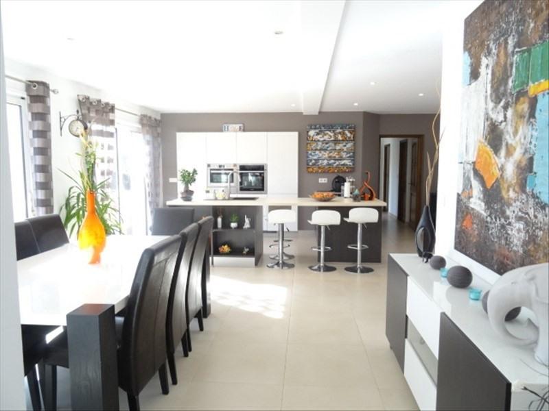 Deluxe sale house / villa Peynier 599900€ - Picture 1