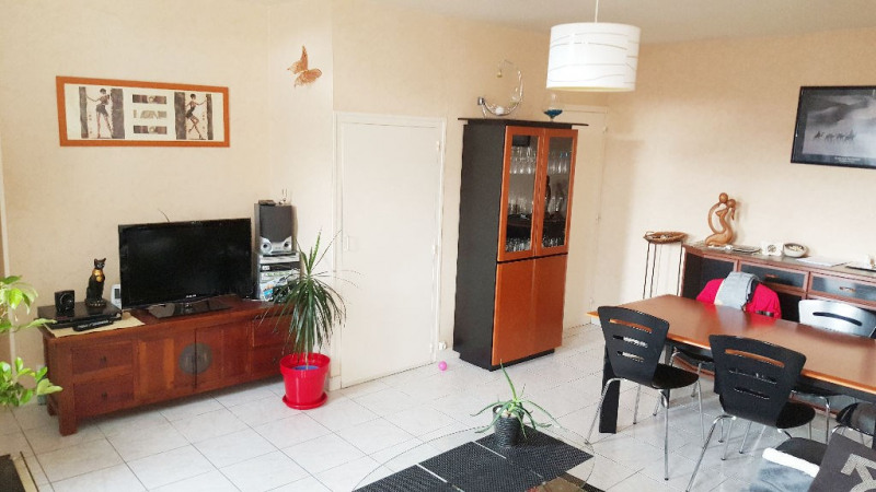 Sale house / villa Saint laurent sur sevre 95 100€ - Picture 1