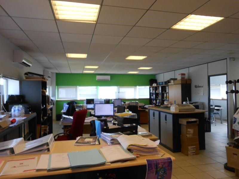 Location bureau Blanquefort 1 281€ CC - Photo 2