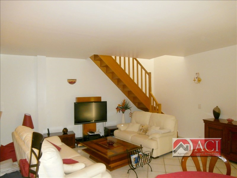 Sale apartment Montmagny 239200€ - Picture 2