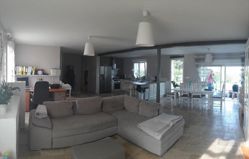 Sale house / villa Montreuil sur epte 222000€ - Picture 3