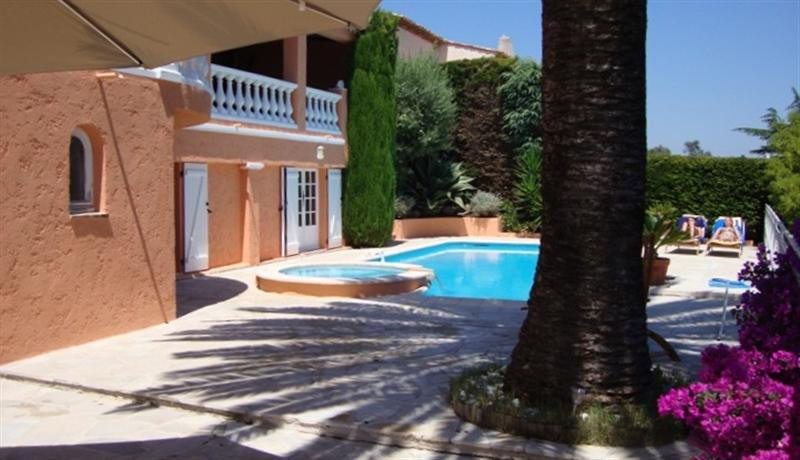 Location vacances maison / villa Golfe juan 5 900€ - Photo 2