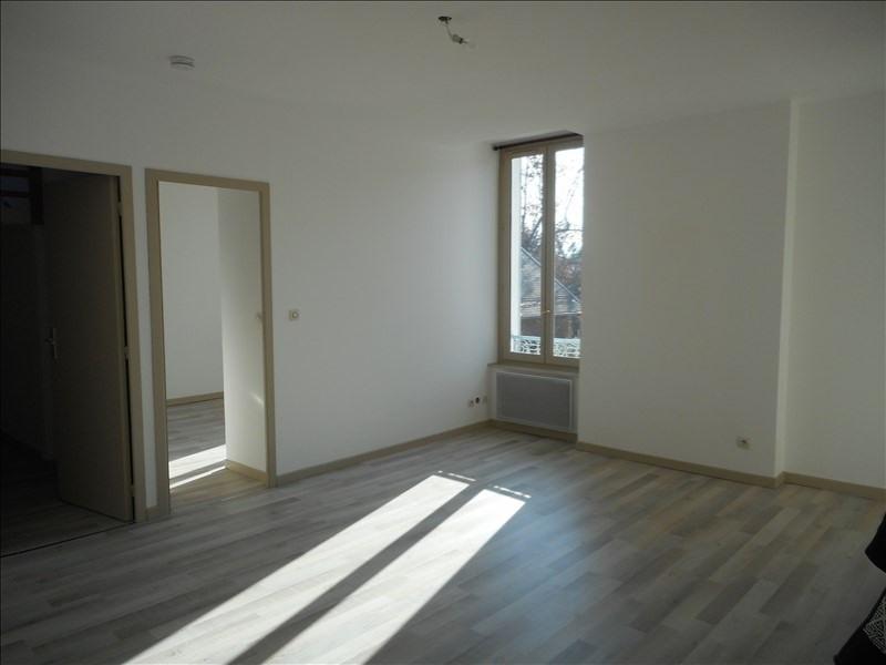 Locação apartamento Voiron 556€ CC - Fotografia 3