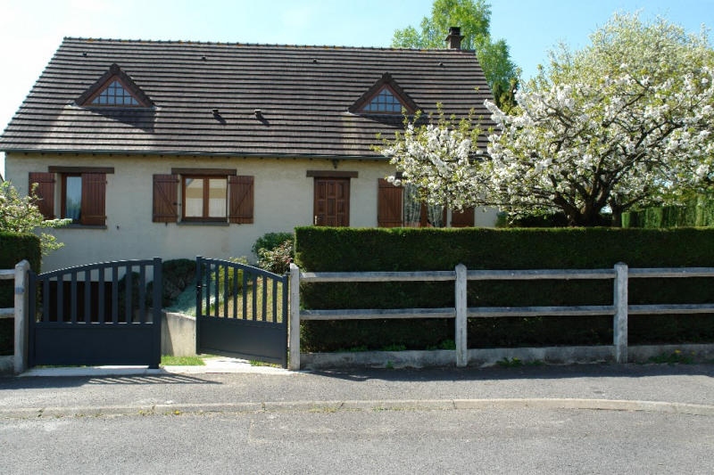 Sale house / villa Beauvais 235 000€ - Picture 1