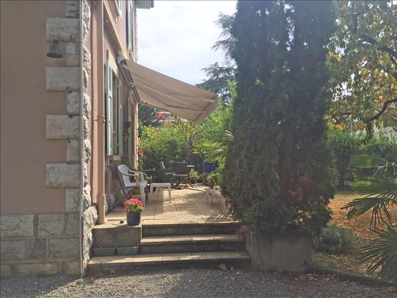 Deluxe sale house / villa Gaillard 1060000€ - Picture 2