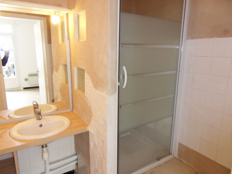 Rental apartment Entraigues sur la sorgue 600€ CC - Picture 8