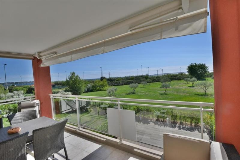 Sale apartment Juan les pins 525 000€ - Picture 1