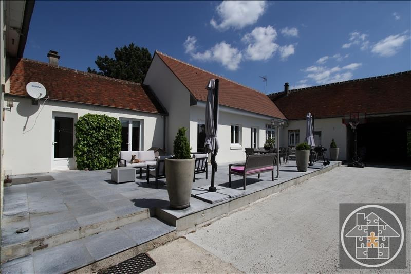 Sale house / villa Compiegne 397000€ - Picture 1