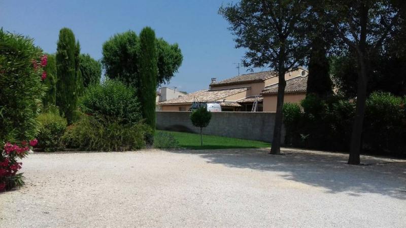 Location bureau Entraigues-sur-la-sorgue 1360€ CC - Photo 3