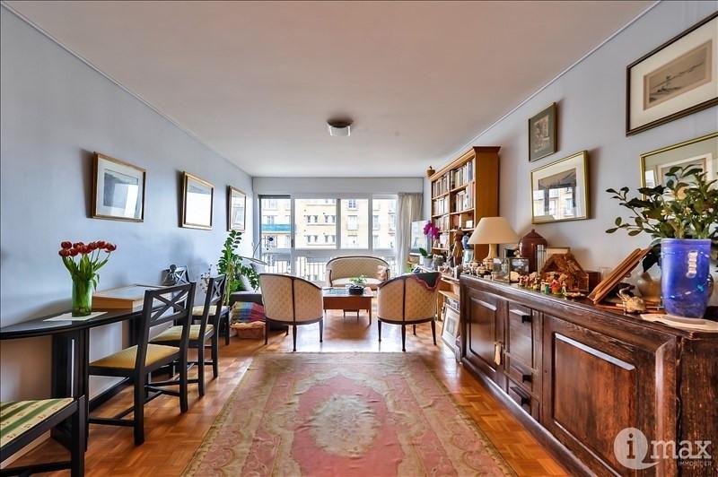 Vente de prestige appartement Paris 18ème 1050000€ - Photo 2