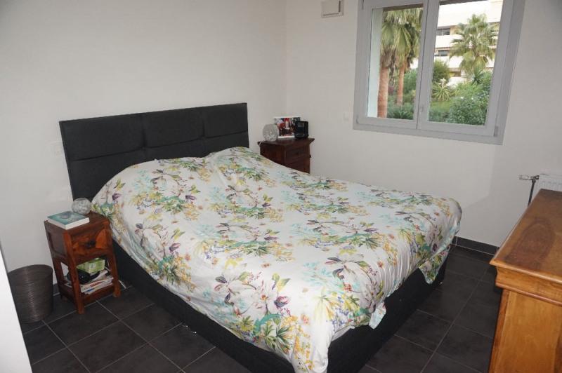 Vendita appartamento Saint laurent du var 345000€ - Fotografia 9