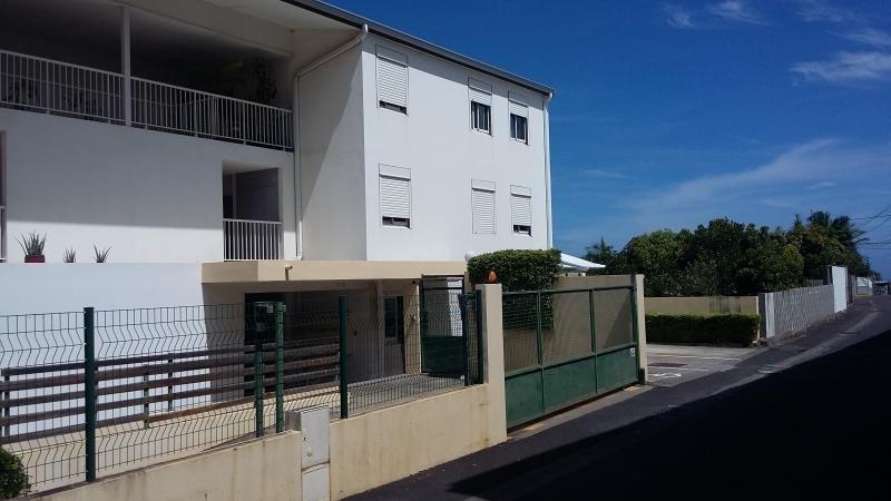 Sale apartment Les avirons 200000€ - Picture 1