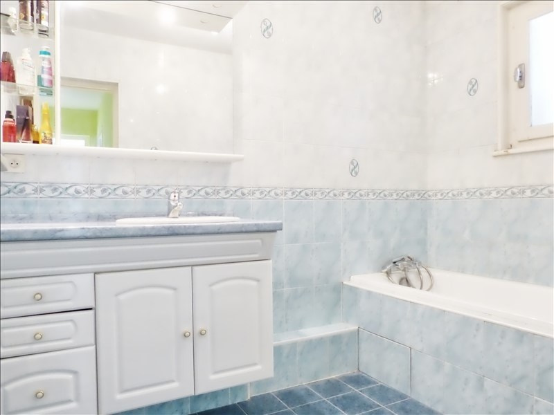 Sale apartment Cluses 128000€ - Picture 5