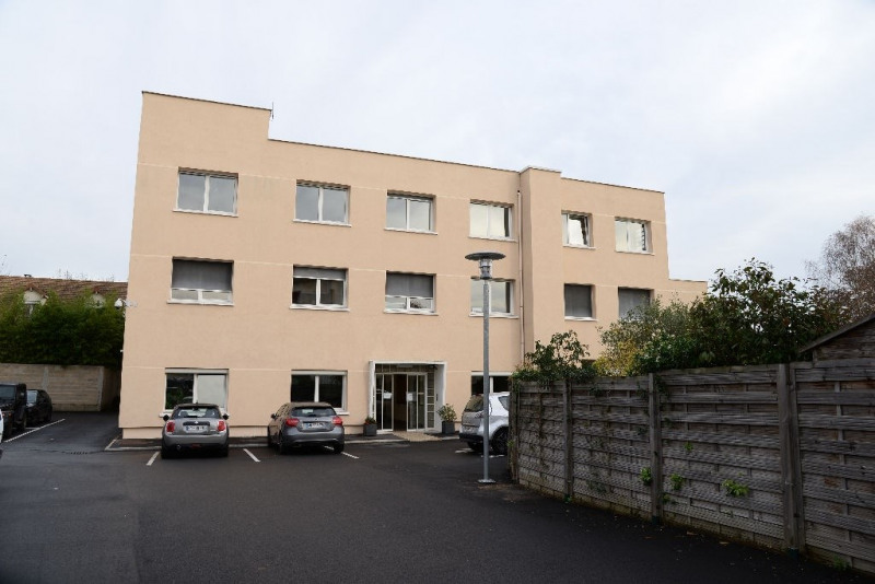 Location bureau Le mesnil le roi 1 723€ CC - Photo 4