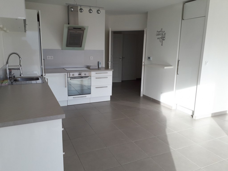 Location appartement Sillingy 772€ CC - Photo 5