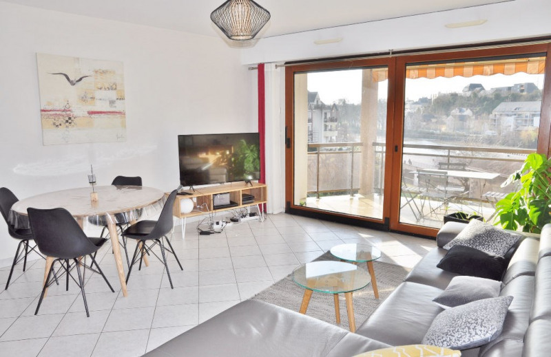 Sale apartment Laval 237 500€ - Picture 2
