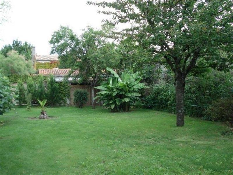 Sale house / villa Saint-jean-d'angély 299000€ - Picture 8