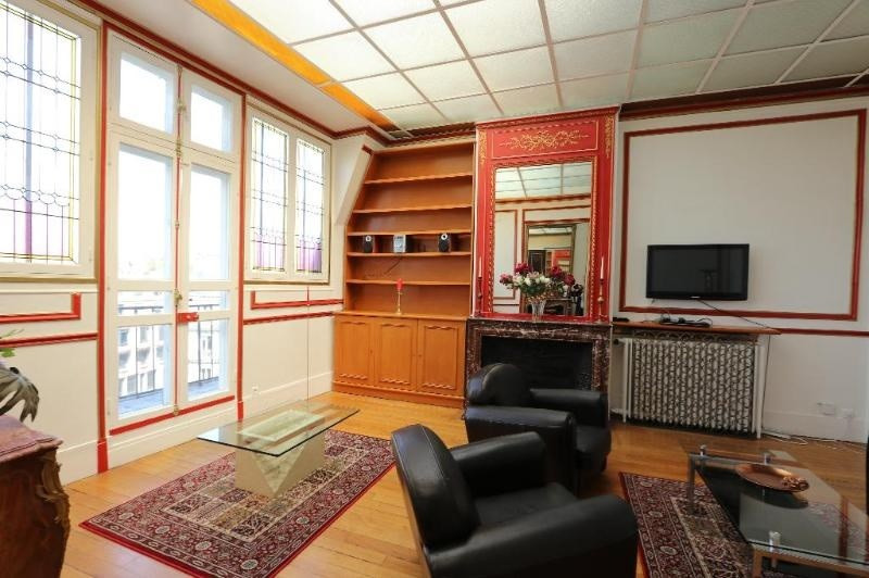 Location appartement Paris 8ème 3 900€ CC - Photo 3