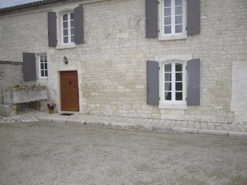 Sale house / villa Barbezieux-saint-hilaire 416000€ - Picture 6
