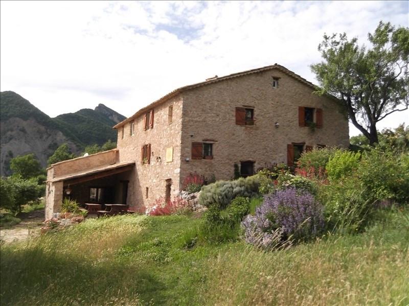 Vente de prestige maison / villa Clamensane 950000€ - Photo 2
