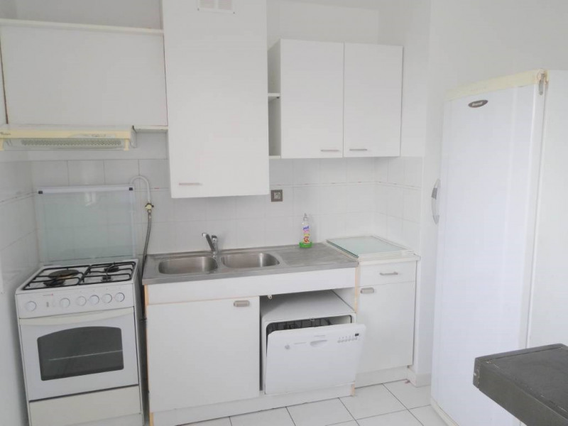 Location appartement Les angles 770€ CC - Photo 3