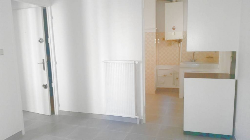 Rental apartment Avignon 500€ CC - Picture 4