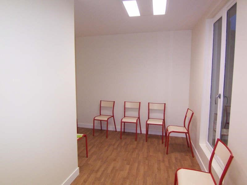 Location local commercial L etang la ville 850€ +CH/ HT - Photo 2