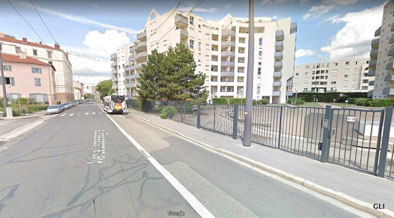 Rental apartment Lyon 3ème 665€ CC - Picture 2