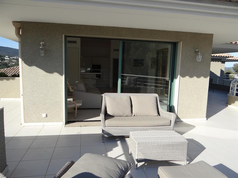 Location vacances appartement Cavalaire 600€ - Photo 3