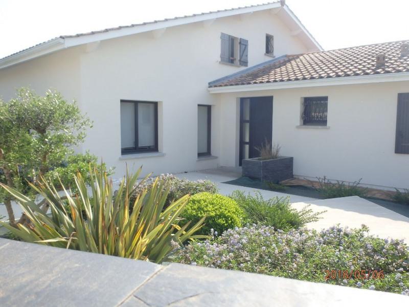 Deluxe sale house / villa Portets 598000€ - Picture 2
