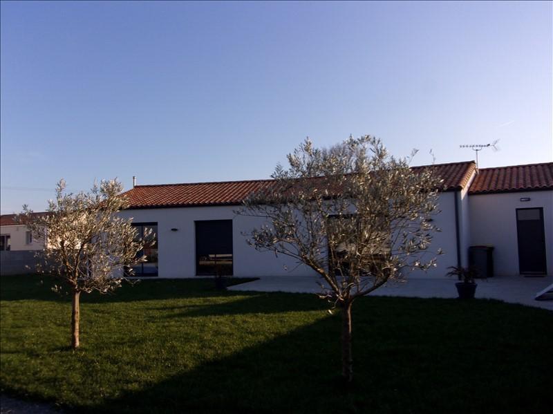 Sale house / villa Vallans 210000€ - Picture 1