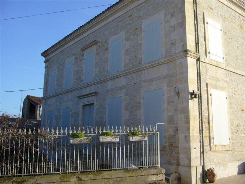 Vente maison / villa Saint-hilaire-la-palud 390000€ - Photo 2