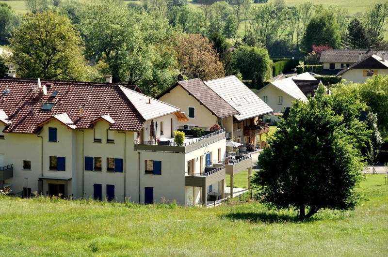 Sale apartment Lathuile 294237€ - Picture 2