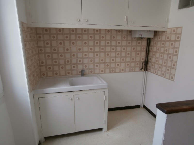 Location appartement Salon de provence 370€ CC - Photo 3