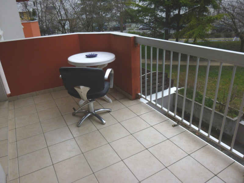 Sale apartment Grenoble 129 000€ - Picture 2