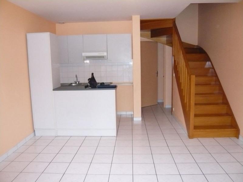 Rental apartment Laval 380€ CC - Picture 1