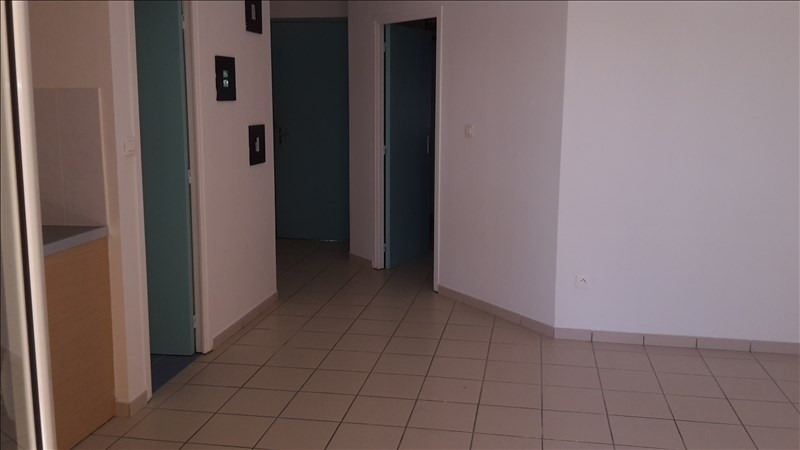 Rental apartment Le gosier 650€ CC - Picture 6