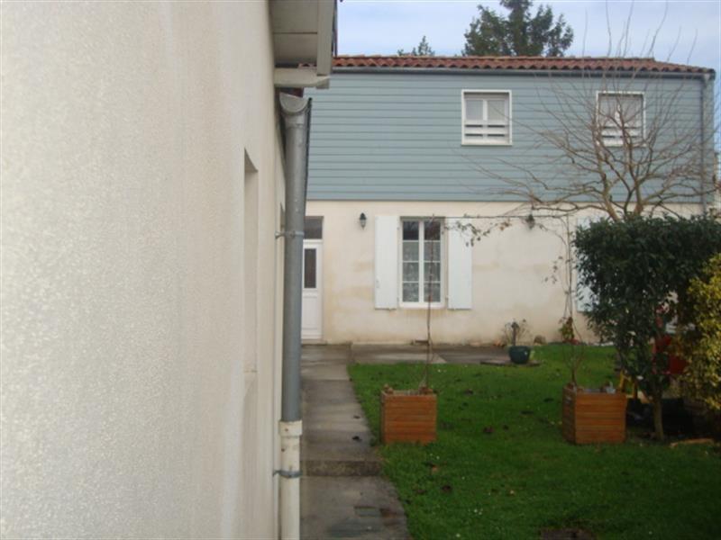 Vente maison / villa Saint-jean-d'angély 199000€ - Photo 2