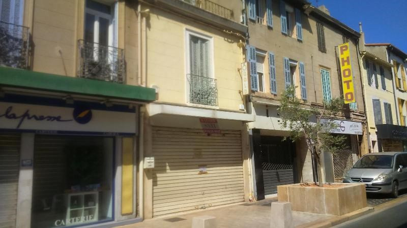 Location bureau Marignane 937€ CC - Photo 2