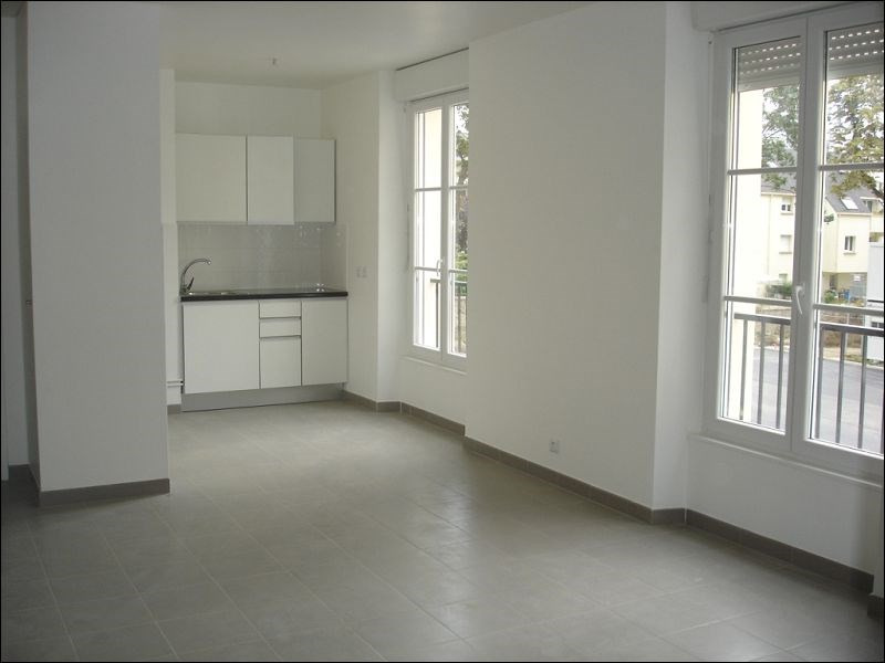 Rental apartment Viry chatillon 726€ CC - Picture 2