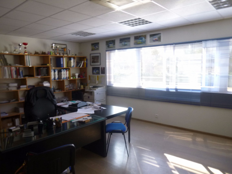 Location local commercial Morieres les avignon 4 000€ HC - Photo 4