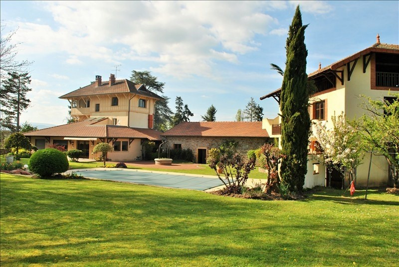 Deluxe sale house / villa Villerest 399 000€ - Picture 1