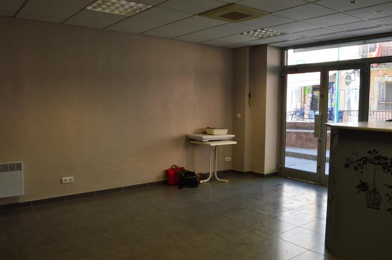 Rental empty room/storage Le muy 750€ CC - Picture 4