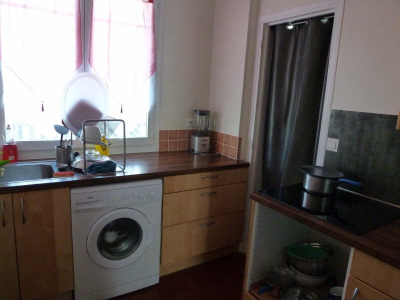 Location appartement Coignieres 725€ CC - Photo 3